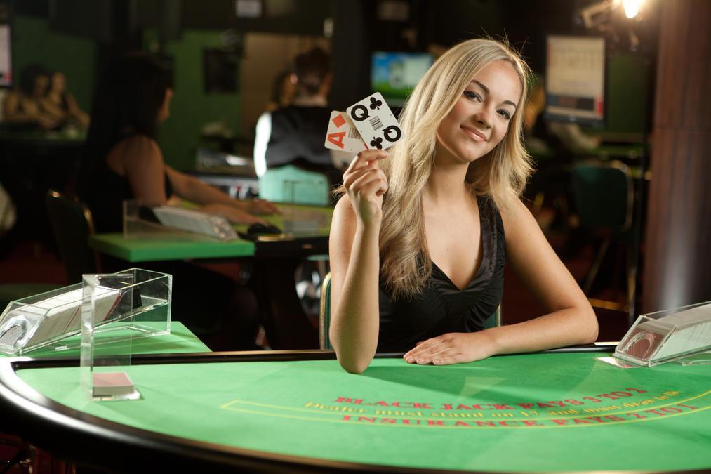 blackjack live dealer kvinna